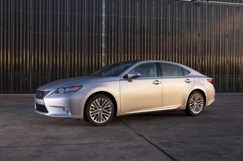 Lexus ES sheds dowdy image, follows the GS' lead Image #122463