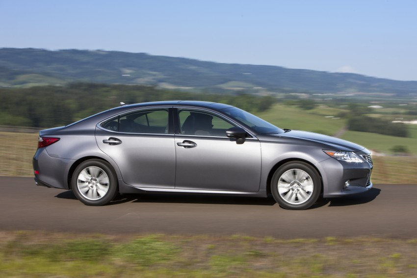 Lexus ES sheds dowdy image, follows the GS' lead Image #122461