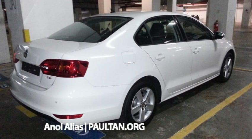 SPYSHOTS: Volkswagen Jetta CKD fully uncovered Image #223618