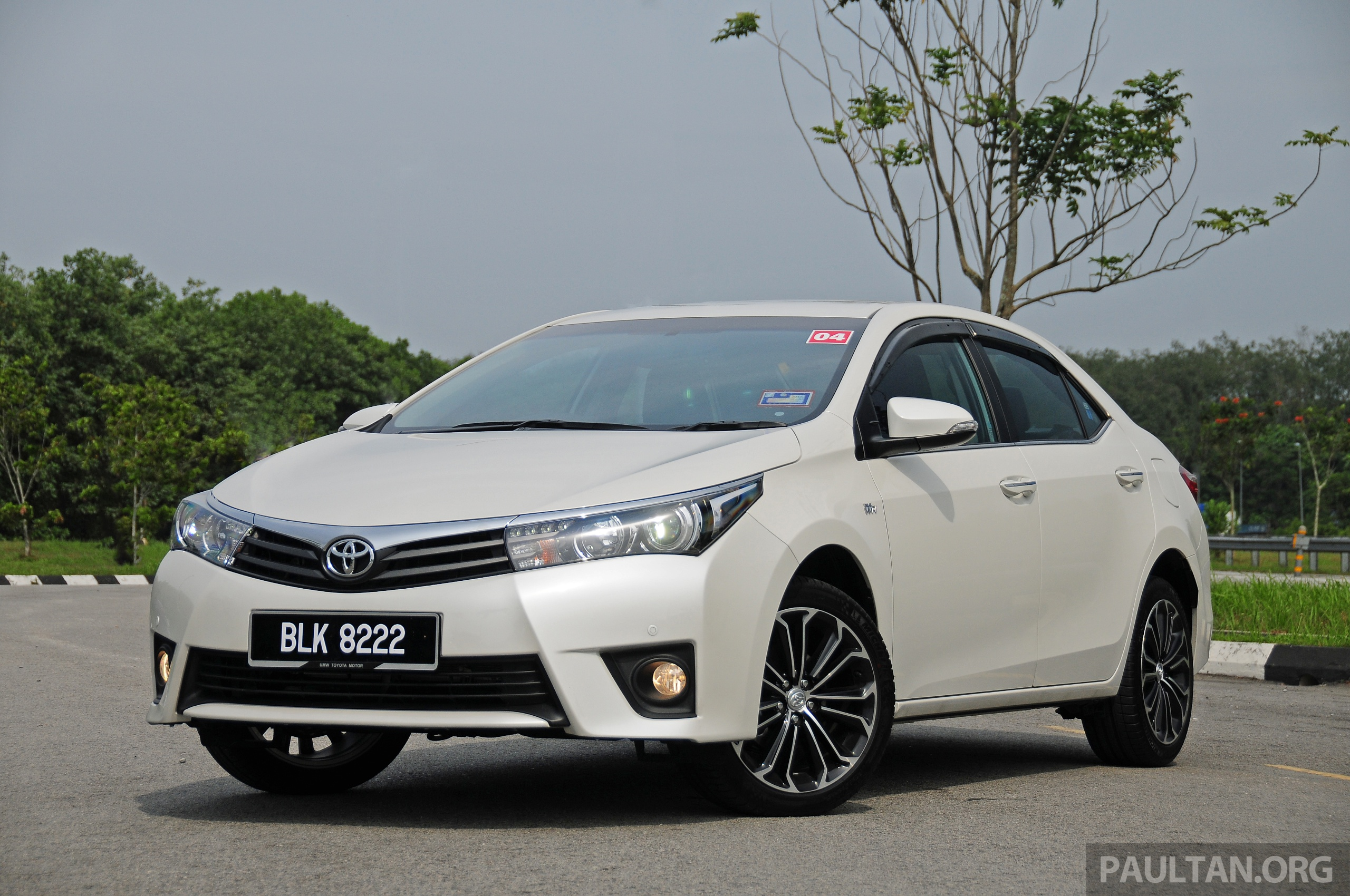 Driven 2014 toyota corolla altis 2 0v on local roads image 222434