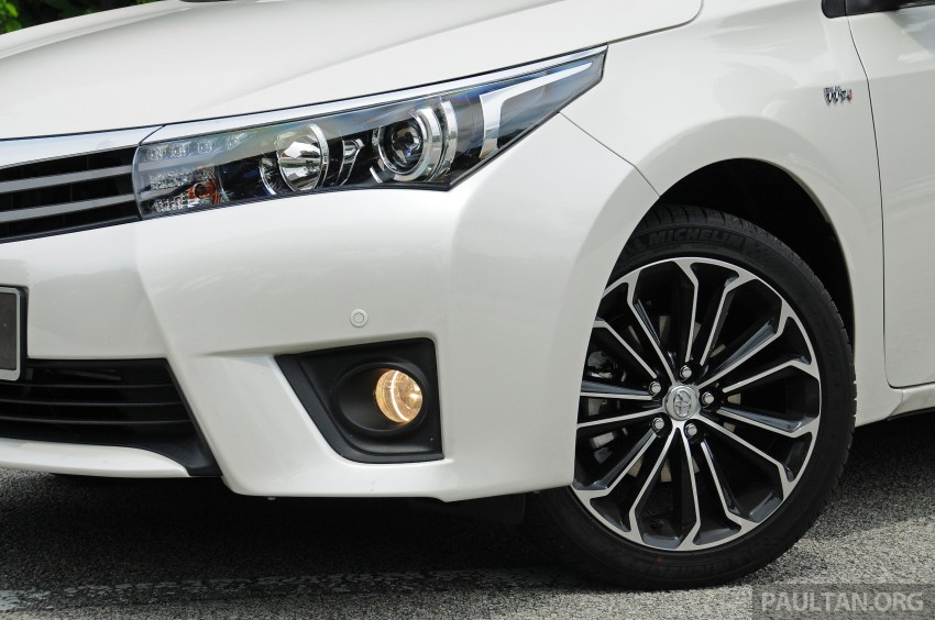 DRIVEN: 2014 Toyota Corolla Altis 2.0V on local roads Image #222471