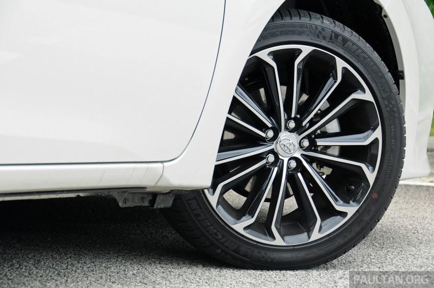 DRIVEN: 2014 Toyota Corolla Altis 2.0V on local roads Image #222486