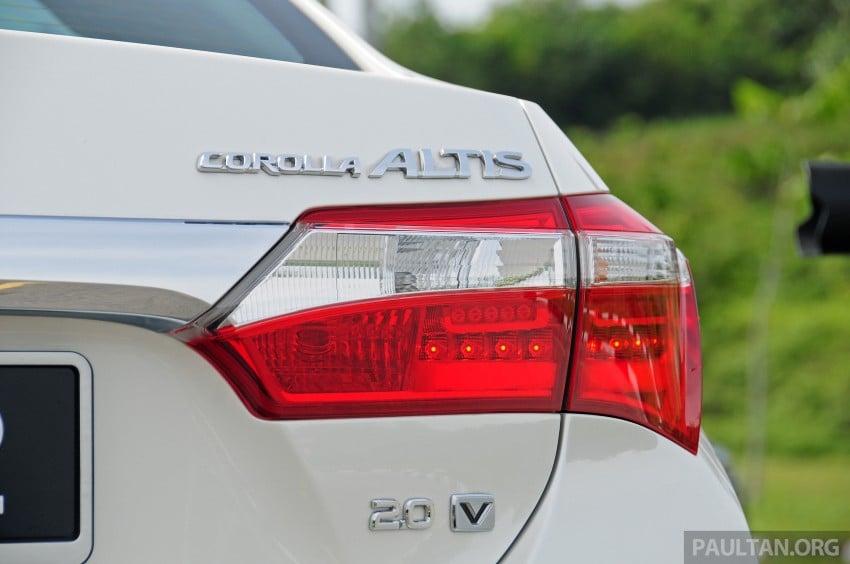 DRIVEN: 2014 Toyota Corolla Altis 2.0V on local roads Image #222498