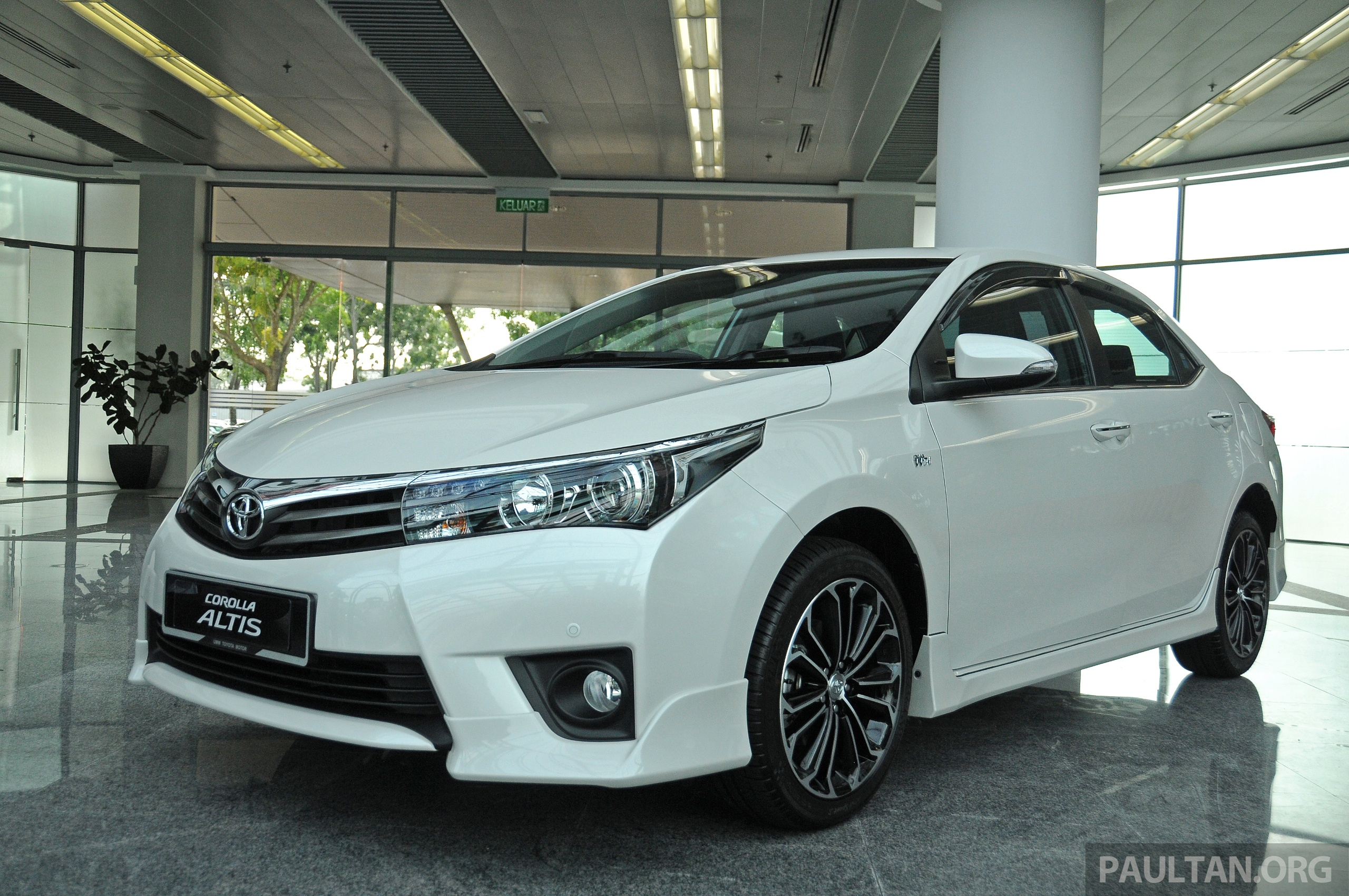 Gallery 2014 Toyota Corolla Altis Preview Pics Paul Tan