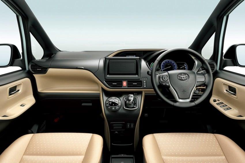 2014 Toyota Noah and Voxy – 1.8L hybrid, 23.8 km/l Image #223717