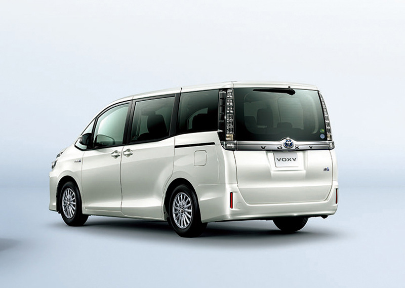 2014 Toyota Noah and Voxy – 1.8L hybrid, 23.8 km/l Image #223730