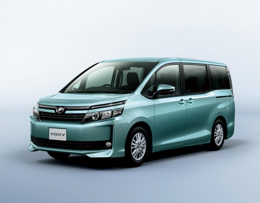 2014 Toyota Noah and Voxy – 1.8L hybrid, 23.8 km/l Image #223734