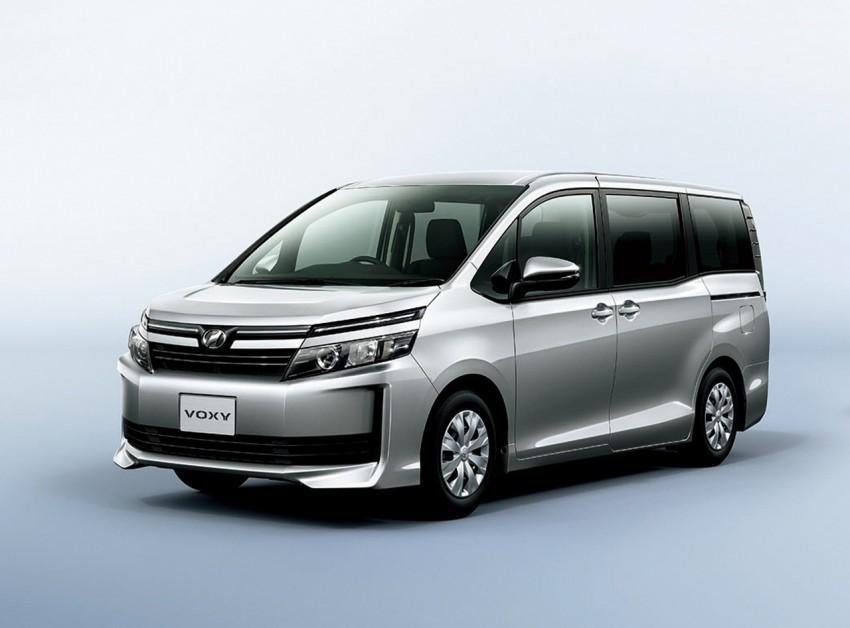 2014 Toyota Noah and Voxy – 1.8L hybrid, 23.8 km/l Image #223736