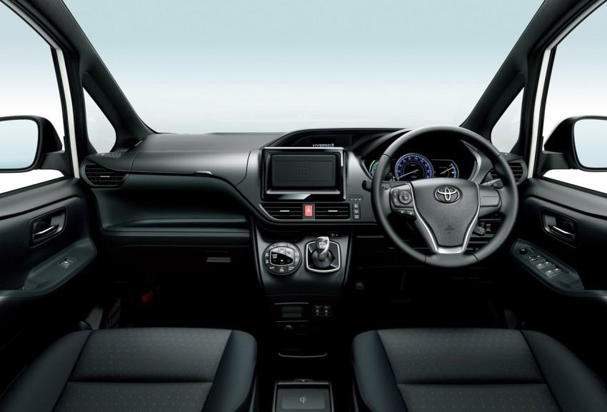2014 Toyota Noah and Voxy – 1.8L hybrid, 23.8 km/l Image #223741