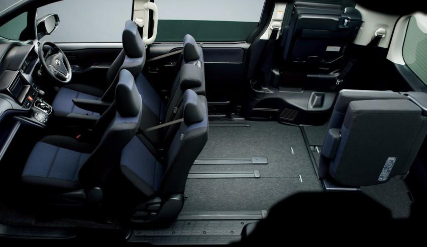 2014 Toyota Noah and Voxy – 1.8L hybrid, 23.8 km/l Image #223749