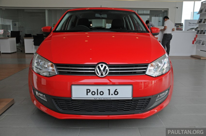 GALLERY: Showroom pics of the CKD VW Polo Hatch Image #224473