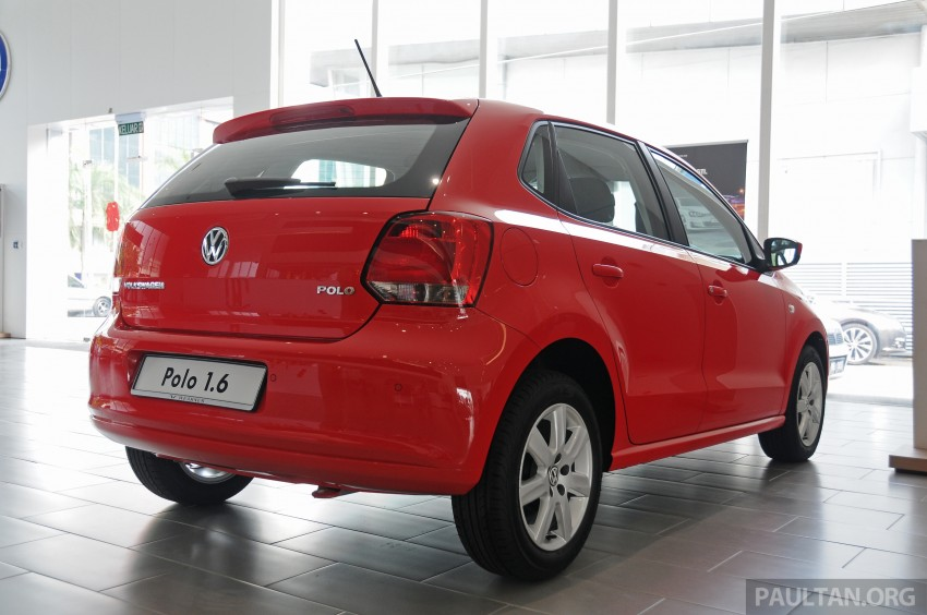 GALLERY: Showroom pics of the CKD VW Polo Hatch Image #224475