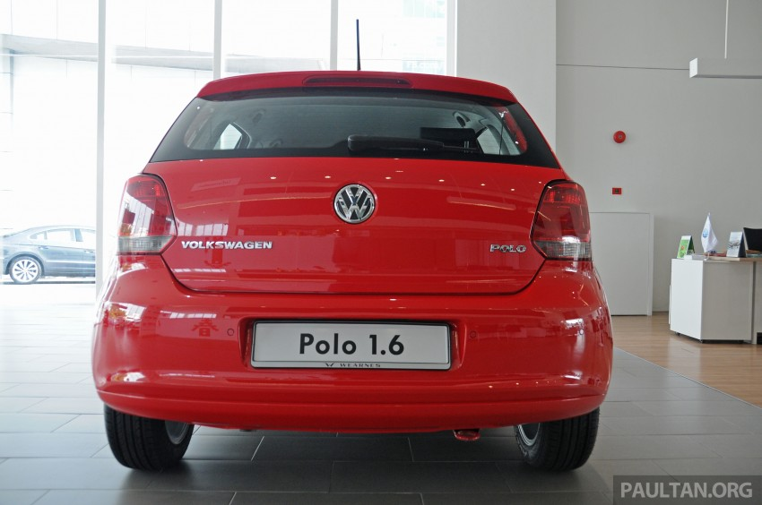 GALLERY: Showroom pics of the CKD VW Polo Hatch Image #224476