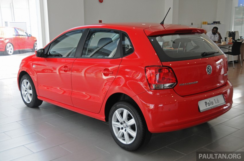 GALLERY: Showroom pics of the CKD VW Polo Hatch Image #224477