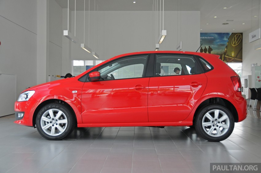 GALLERY: Showroom pics of the CKD VW Polo Hatch Image #224479