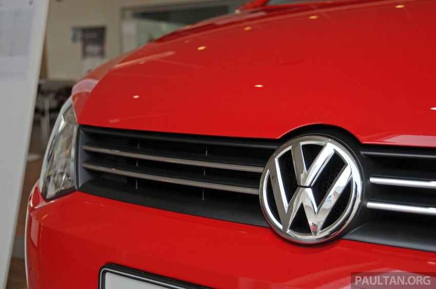GALLERY: Showroom pics of the CKD VW Polo Hatch Image #224480