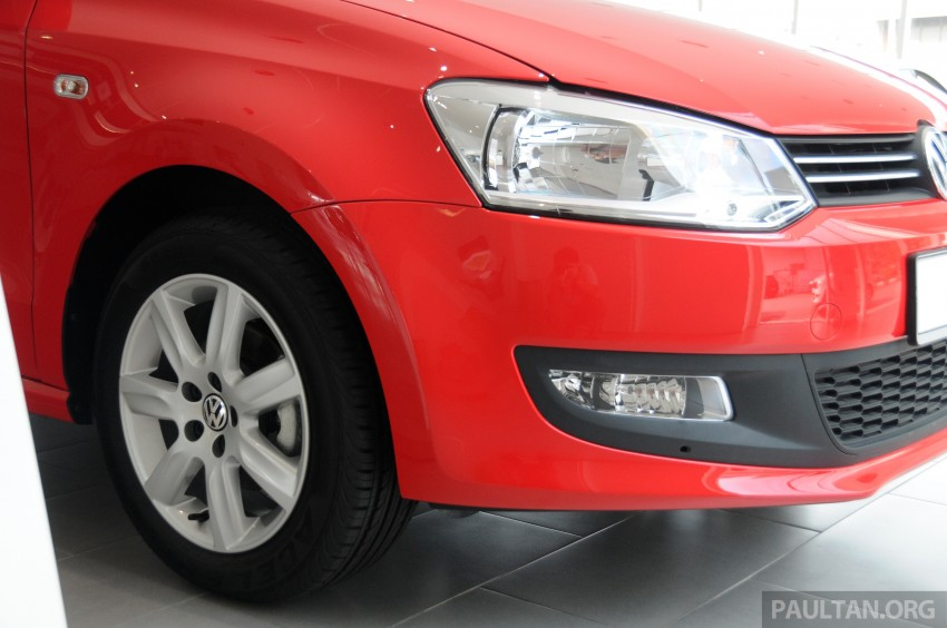 GALLERY: Showroom pics of the CKD VW Polo Hatch Image #224483