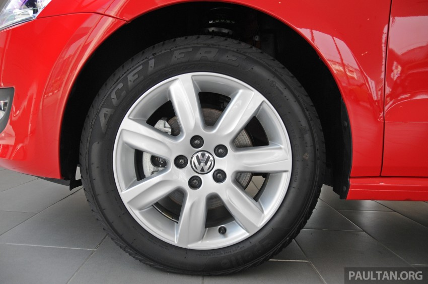 GALLERY: Showroom pics of the CKD VW Polo Hatch Image #224487