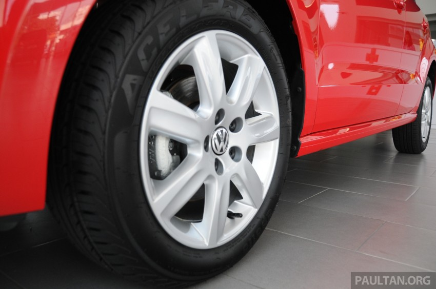 GALLERY: Showroom pics of the CKD VW Polo Hatch Image #224488