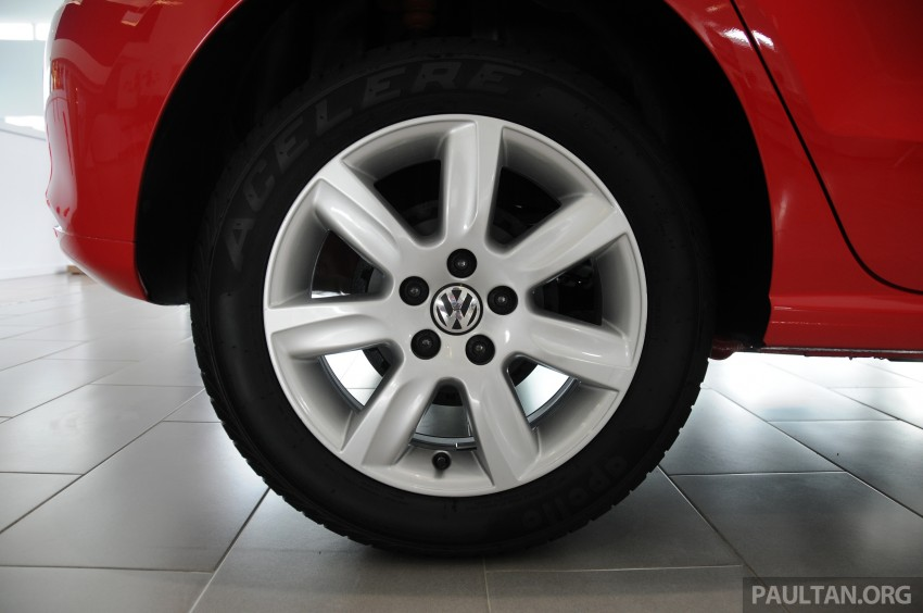 GALLERY: Showroom pics of the CKD VW Polo Hatch Image #224489