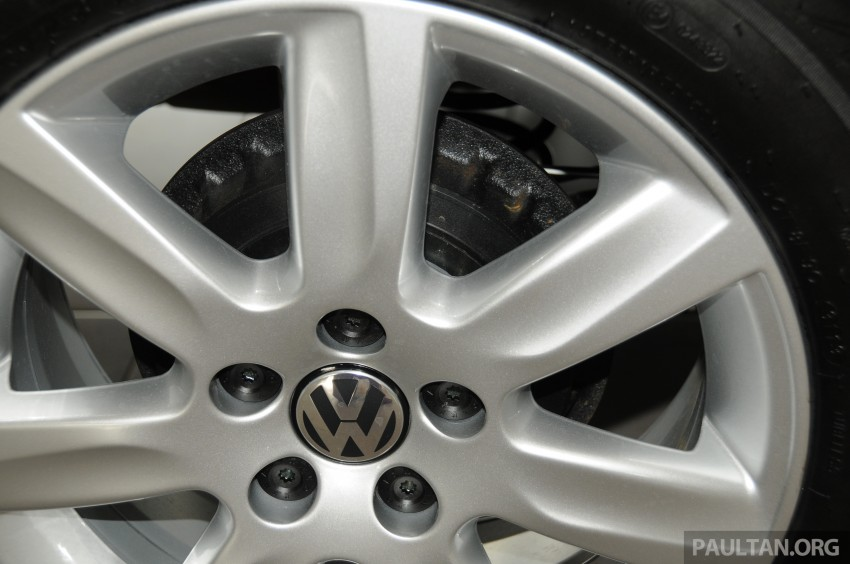 GALLERY: Showroom pics of the CKD VW Polo Hatch Image #224490