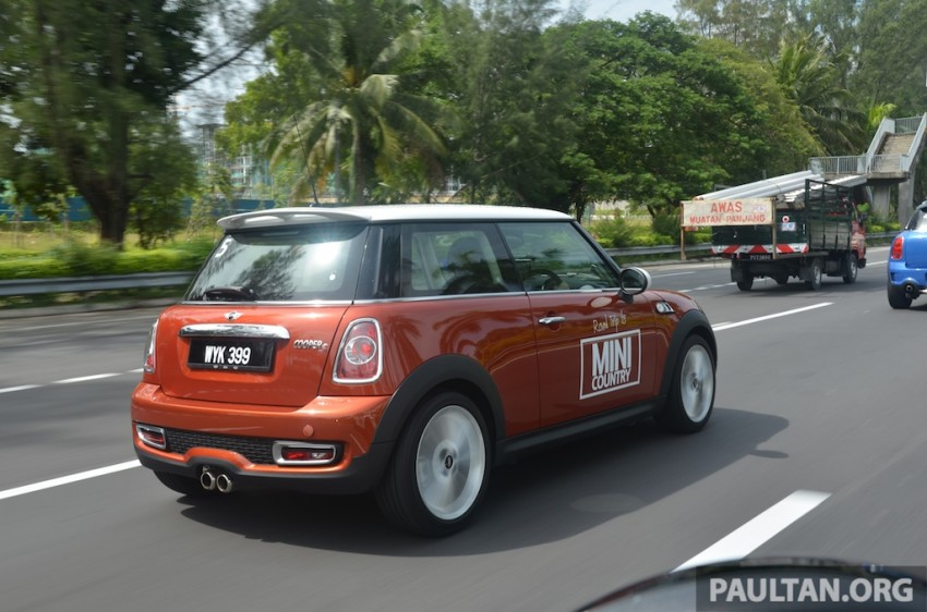 Mini Roadtrip Getaway Cars On The Road Less Travelled