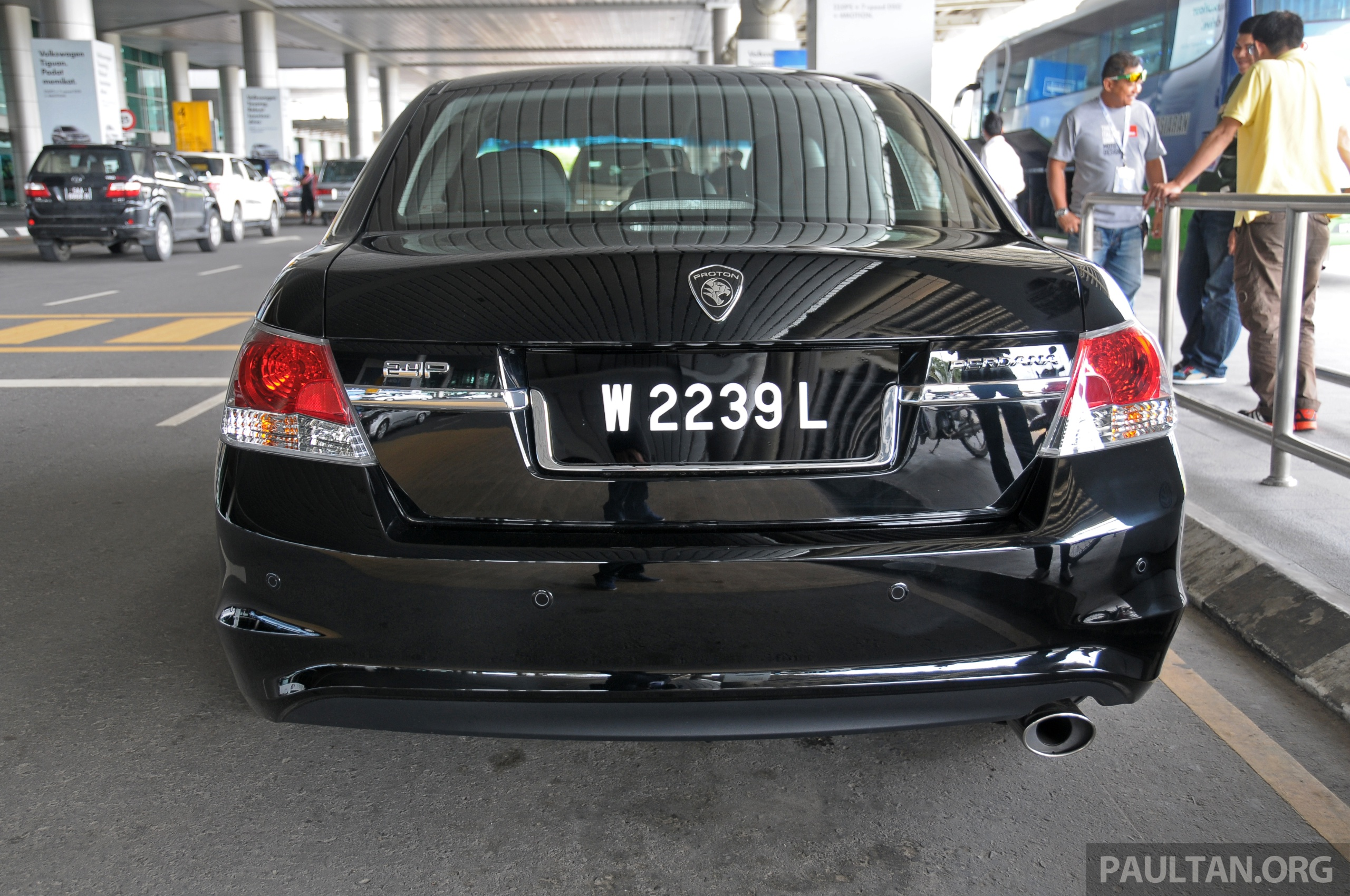 gallery  new proton perdana 2 4p in detail