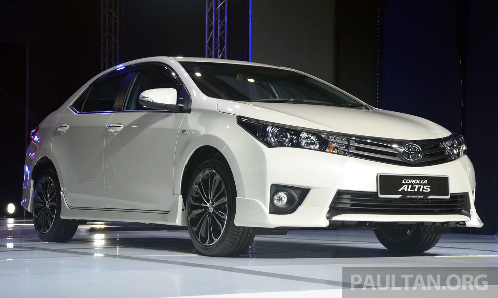 story 2014 toyota corolla altis officially launched back to story 2014 ...