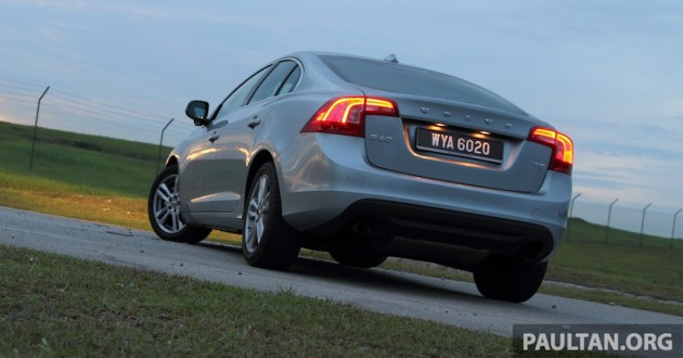 Volvo S60 T5 Test Drive Review - 240hp, 320Nm