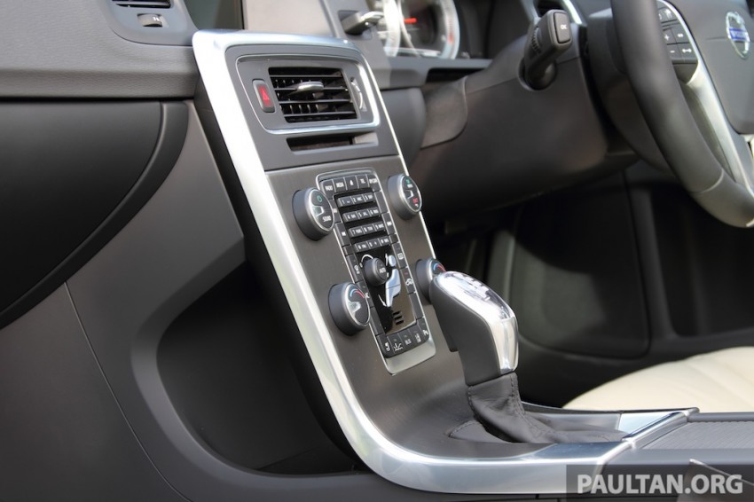 Volvo S60 T5 Test Drive Review – 240hp, 320Nm Image #224398
