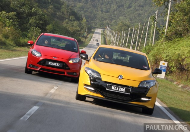 focus-st-vs-megane-rs-27