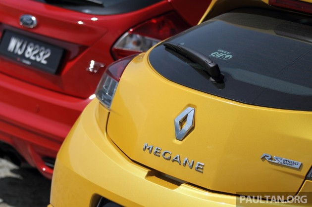 focus-st-vs-megane-rs-32