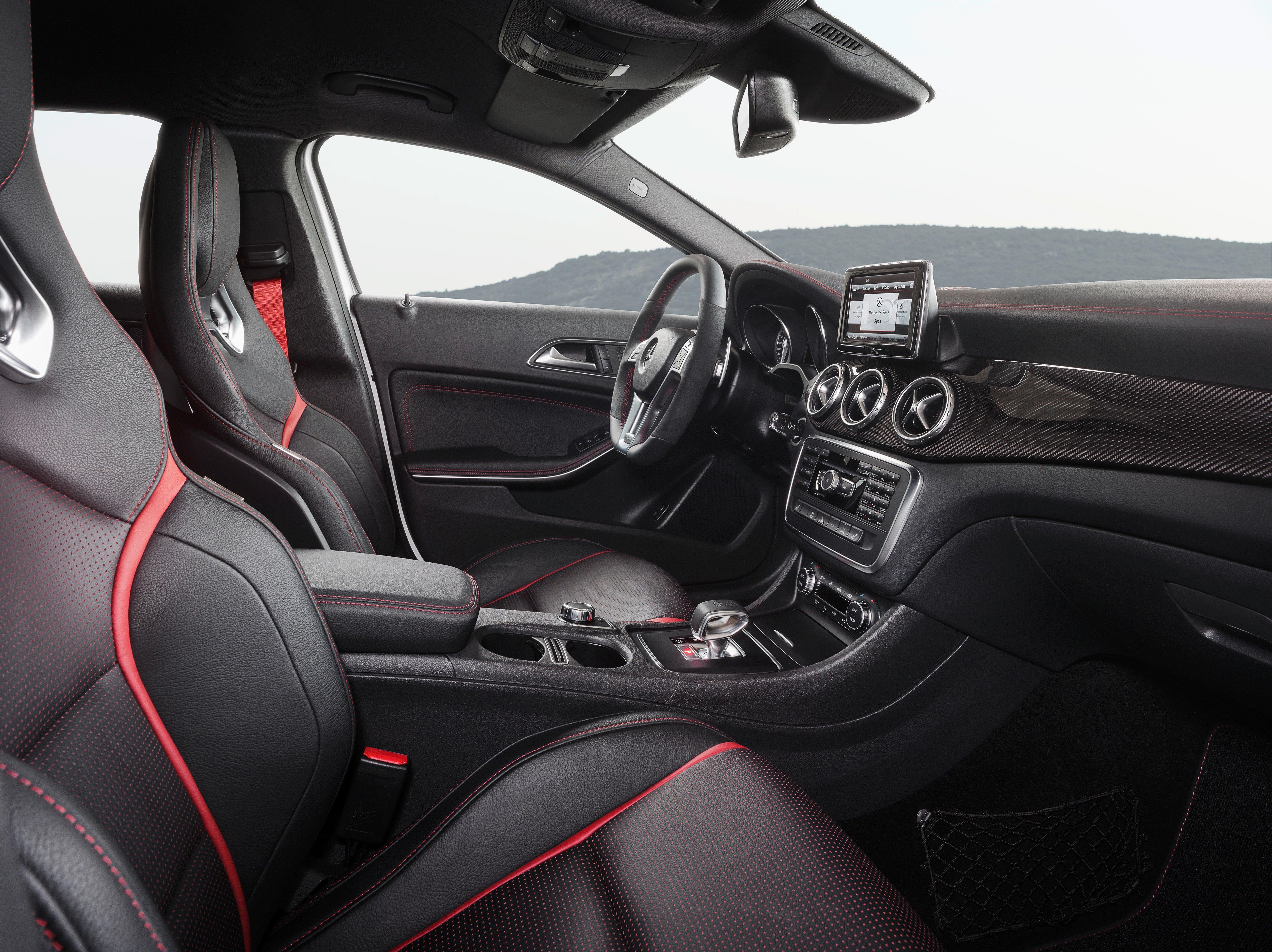 Mercedes-Benz GLA 45 AMG production car unveiled Image #221093