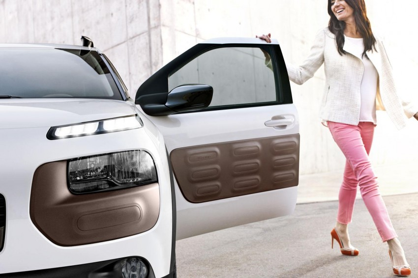 Citroen C4 Cactus unveiled with roof-mounted airbag Image #226841