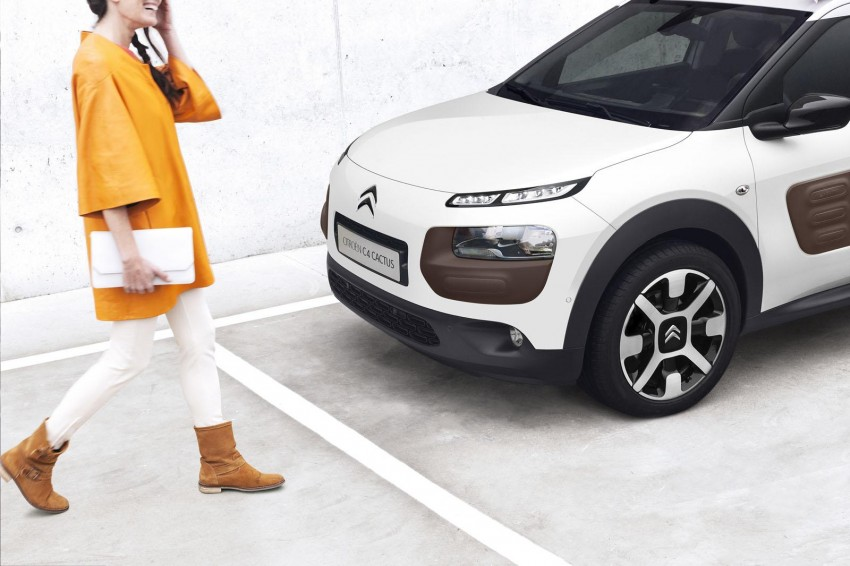 Citroen C4 Cactus unveiled with roof-mounted airbag Image #226843