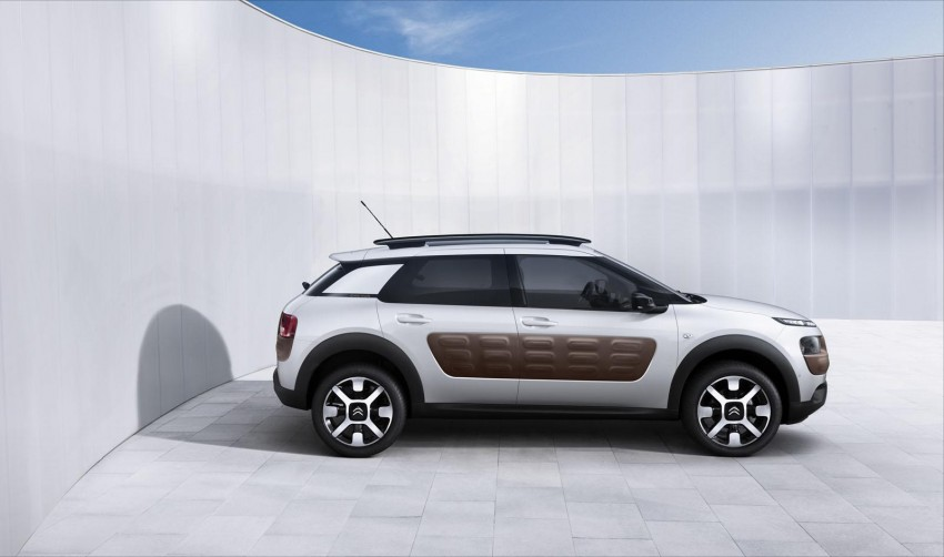 Citroen C4 Cactus unveiled with roof-mounted airbag Image #226844