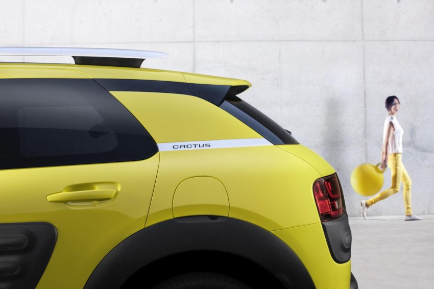 Citroen C4 Cactus unveiled with roof-mounted airbag Image #226863