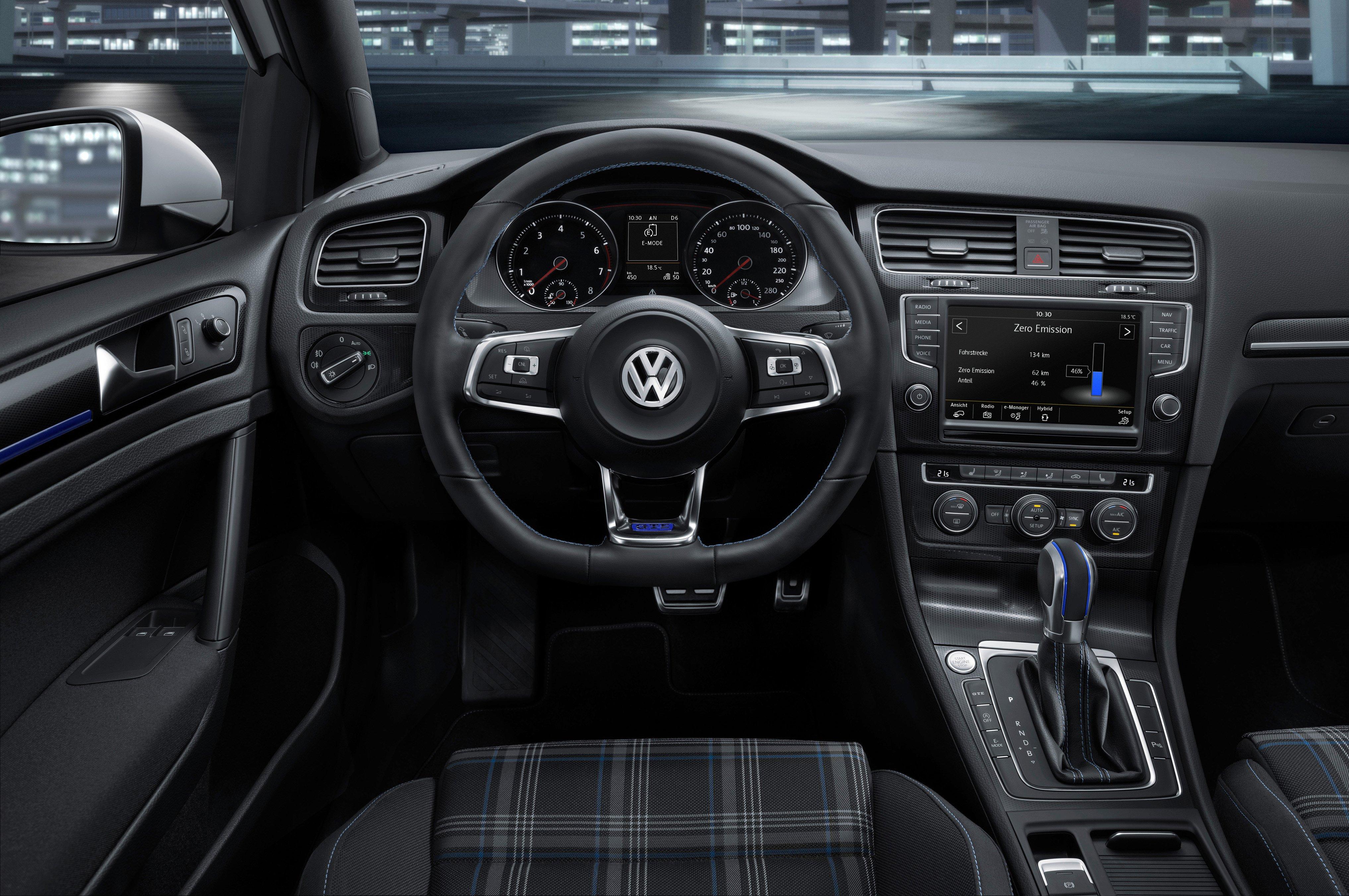 HD Volkswagen Modele Golf 6 GTI Vue Interieur Img Volkswagen Golf 6 GTI 507 likewise Wallpaper 09 additionally New Volkswagen Polo Gti 2018 Review Pictures 1 likewise Volkswagen New Pricelist as well VW Scirocco w wojskowych barwach 2 585 1. on volkswagen polo gti