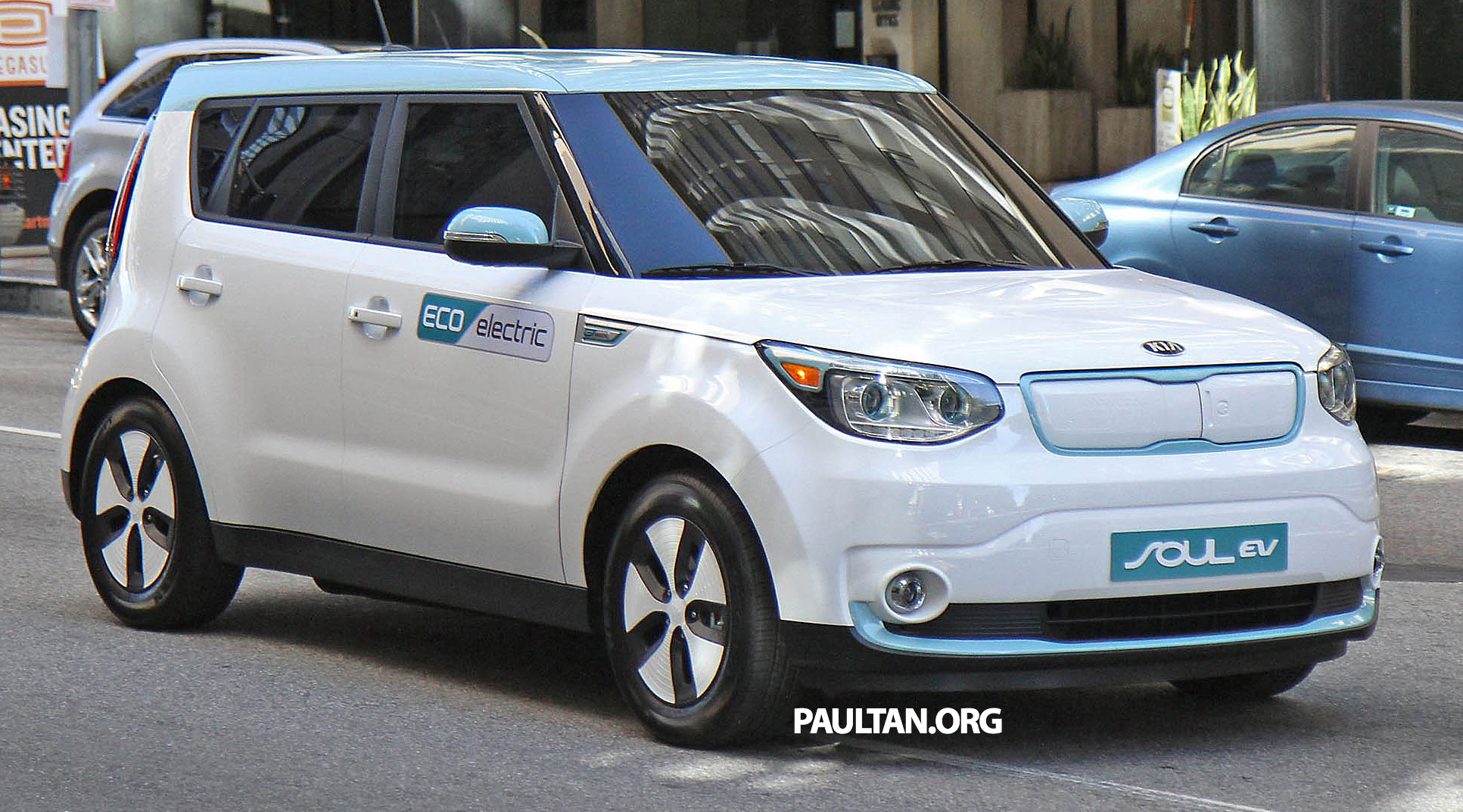 spyshots kia soul ev completely undisguised image 225637. Black Bedroom Furniture Sets. Home Design Ideas