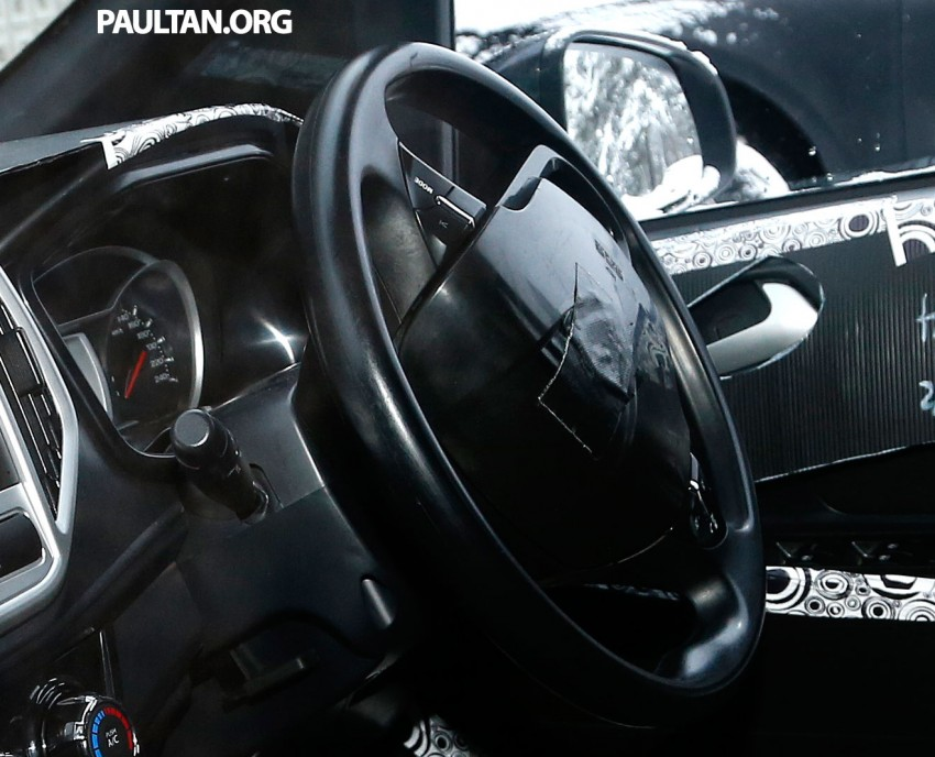 SPYSHOTS: A clearer view of the Proton P2-30A GSC dashboard – first look at non-touchscreen head unit Image #228412