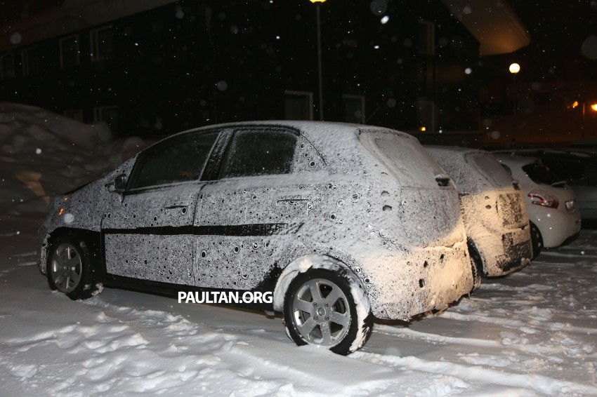 SPYSHOTS: Proton P2-30A Global Small Car – first clear look at the B-segment hatch's interior Image #227221