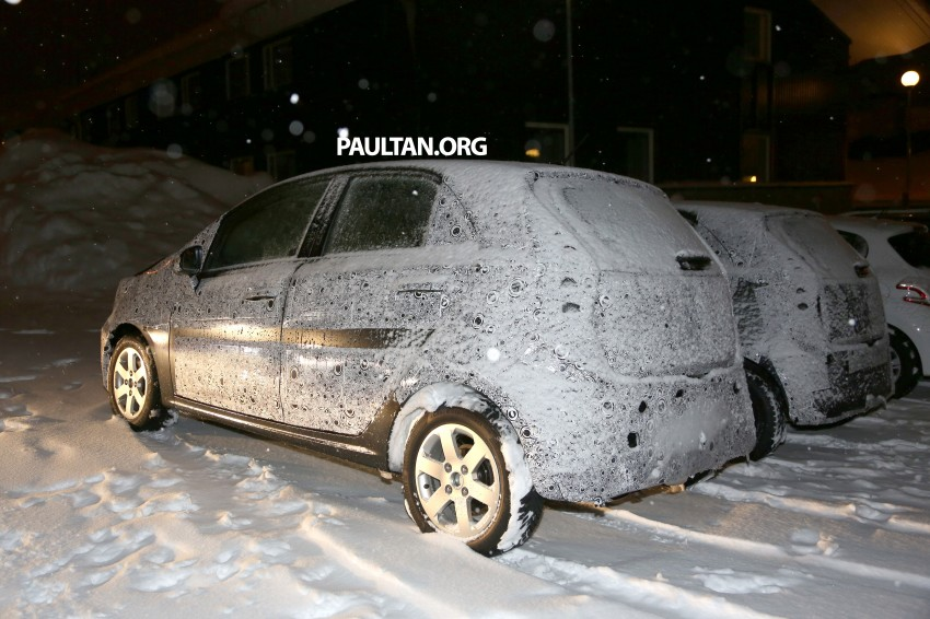 SPYSHOTS: Proton P2-30A Global Small Car – first clear look at the B-segment hatch's interior Image #227225