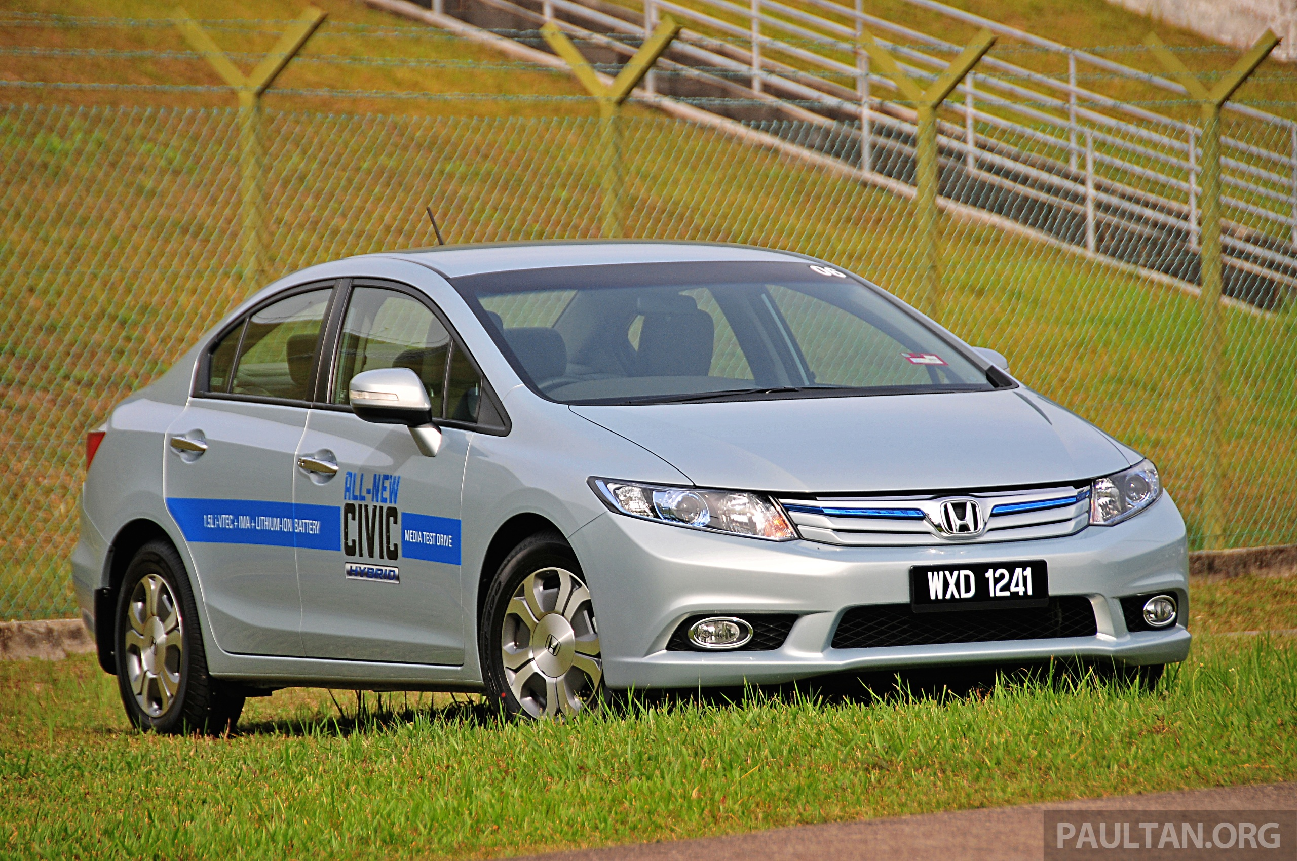 2014 Honda Civic facelift unveiled for the Thai market ...