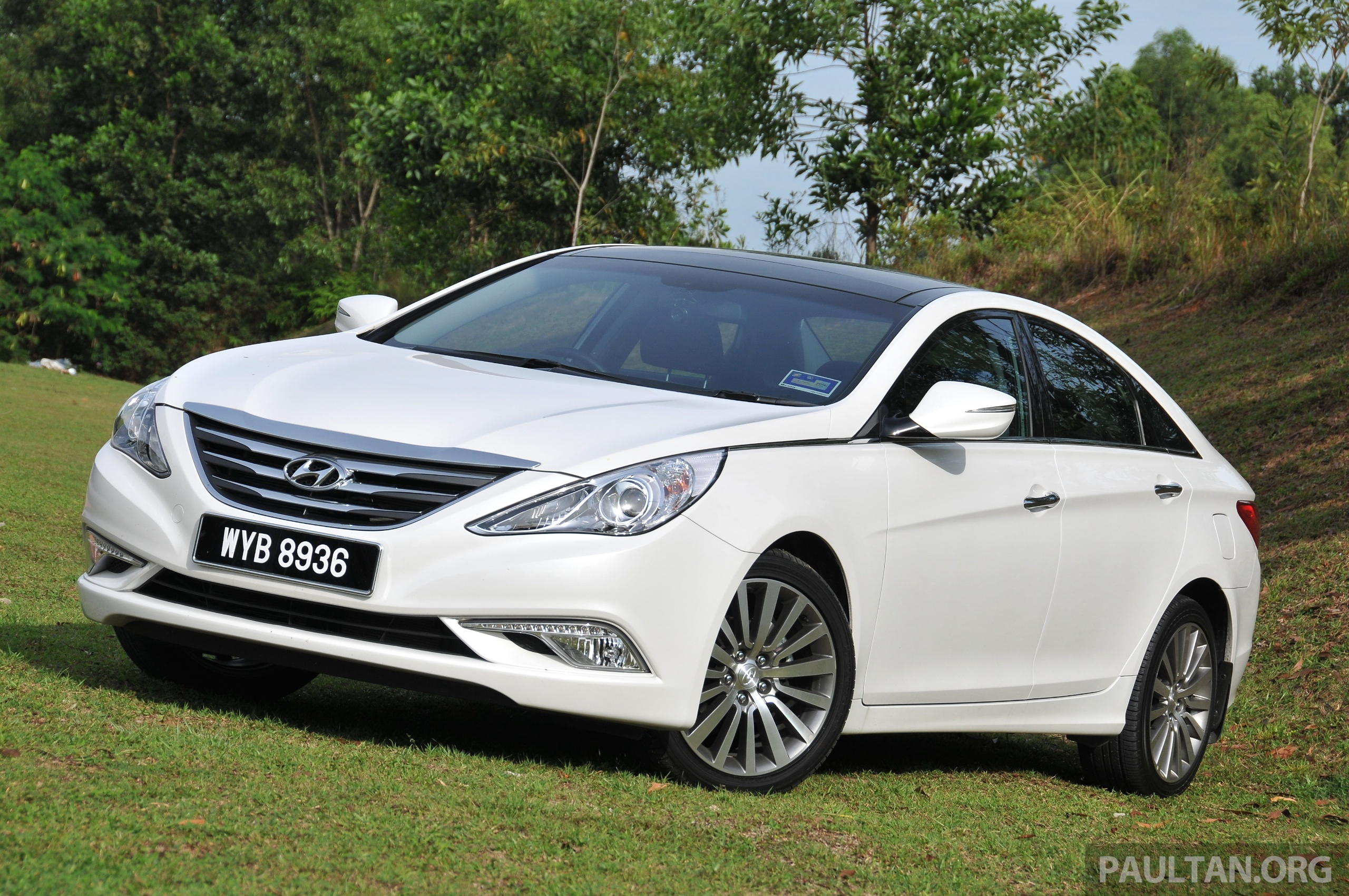 2015 Hyundai Sonata Shows Its New Face In Leaked Pix Image