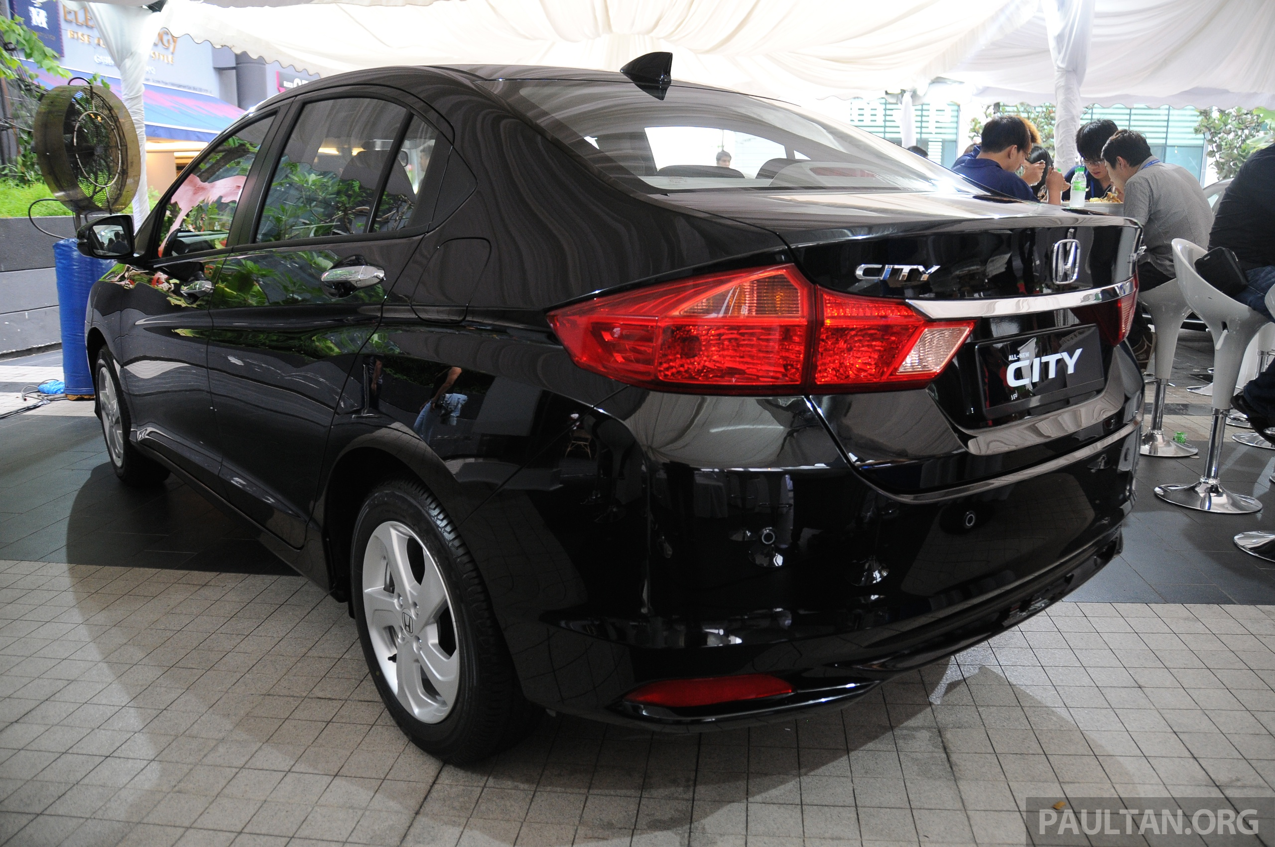 Back to Story: GALLERY: 2014 Honda City spec-by-spec comparison