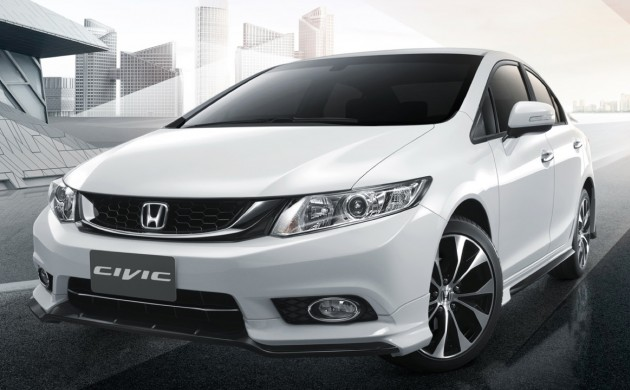 2014_Honda_Civic_facelift_Thailand_03