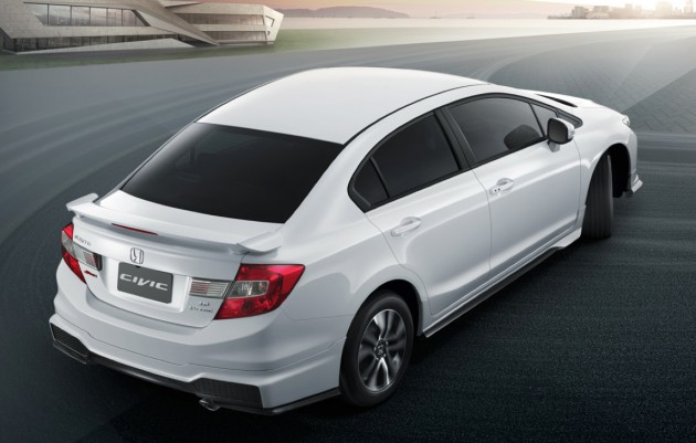 2014_Honda_Civic_facelift_Thailand_08