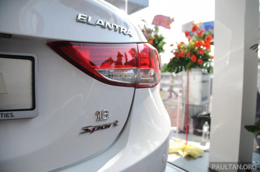 GALLERY: Hyundai Sports Series and new Starex MPV Image #237696