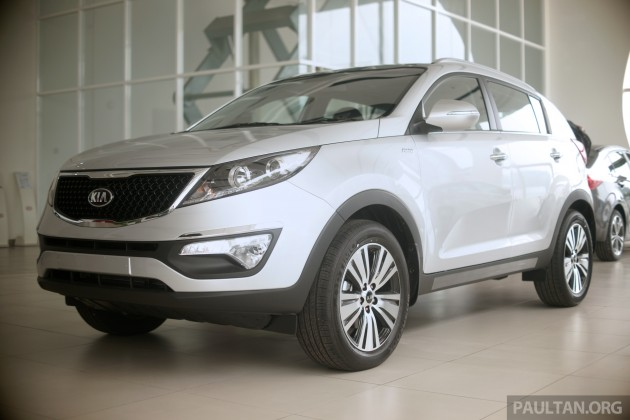 After A Teaser And JPJ Putrajaya Sightings, Naza Kia Has Officially  Launched The Facelifted Kia Sportage At The Nationwide Kia World Cup  Bonanza Customer ...