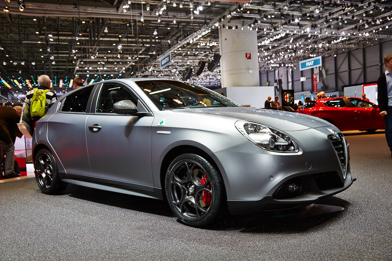 2017 Alfa Romeo 4c >> Alfa Romeo Giulietta QV gets 4C's 240 hp powertrain Image ...